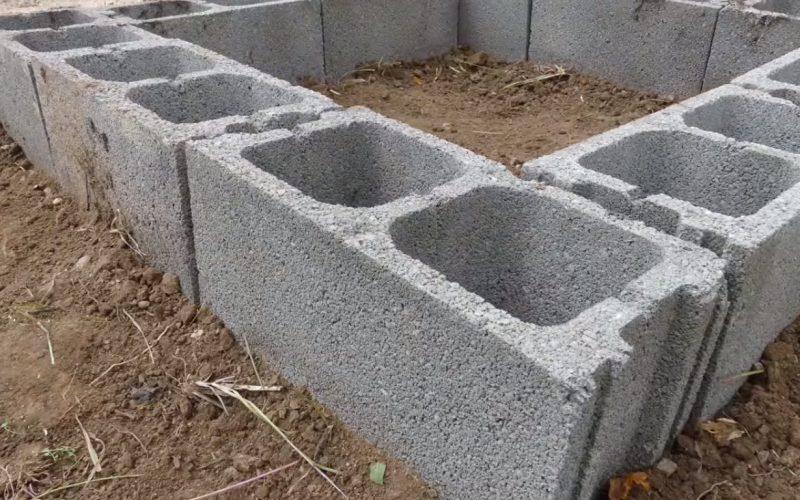 huerta con bloques de hormigon