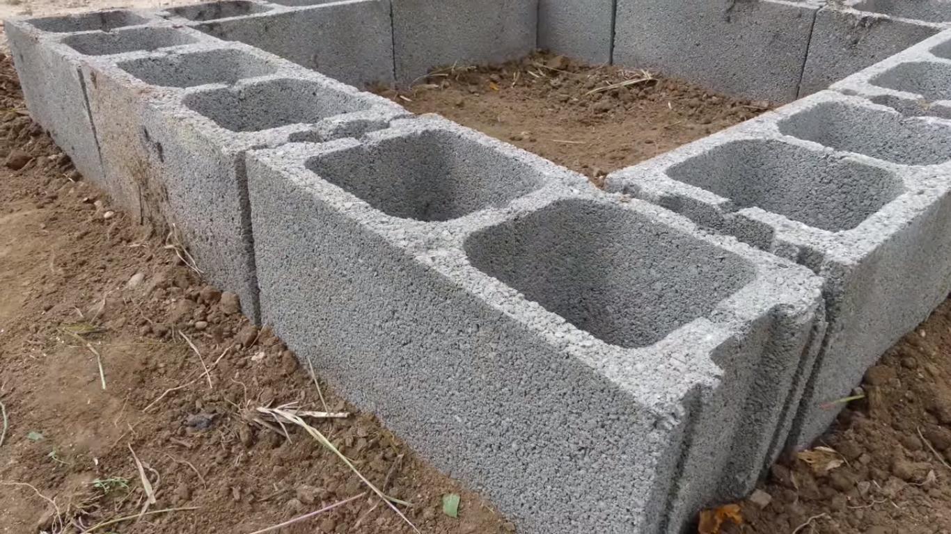 Crear tu huerta con bloques de hormig n la huerta de ivan for Bloques de hormigon baratos